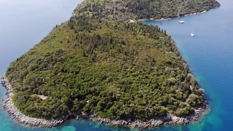 Σπάρτη: Το καταπράσινο νησί του Ιονίου με «άρωμα» Ωνάση