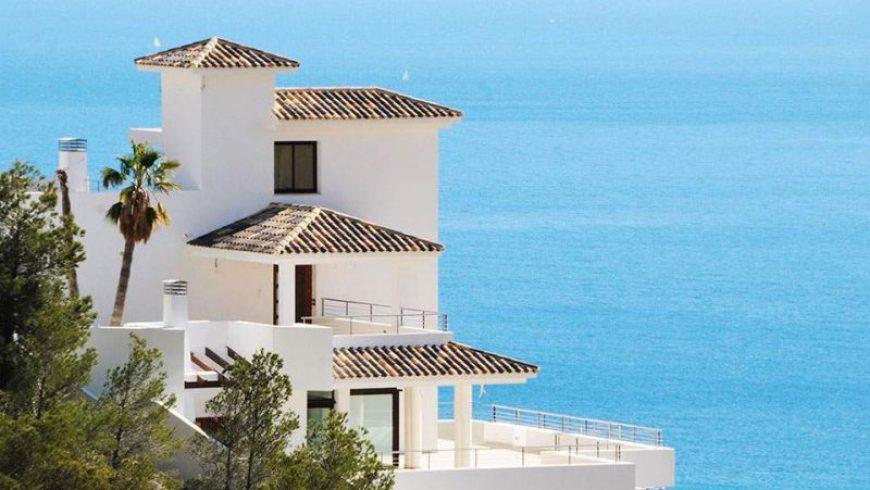 Κίνητρα σε ξένους για αγορά εξοχικών κατοικιών στην Ελλάδα