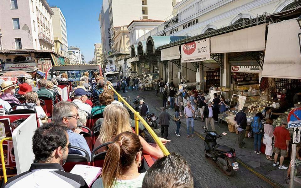 Αισιόδοξη η TUI για τον ελληνικό τουρισμό το 2021