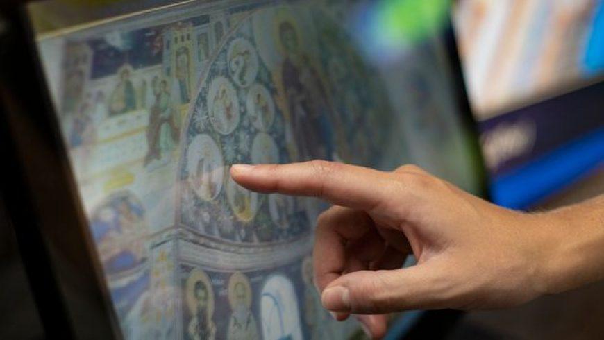 «Αθωνική Ψηφιακή Κιβωτός»: Οι θησαυροί του Αγίου Όρους μέσα από την εικονική πραγματικότητα