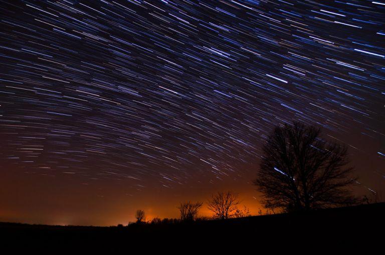 Λεοντίδες: Το βράδυ της Δευτέρας η βροχή αστεριών