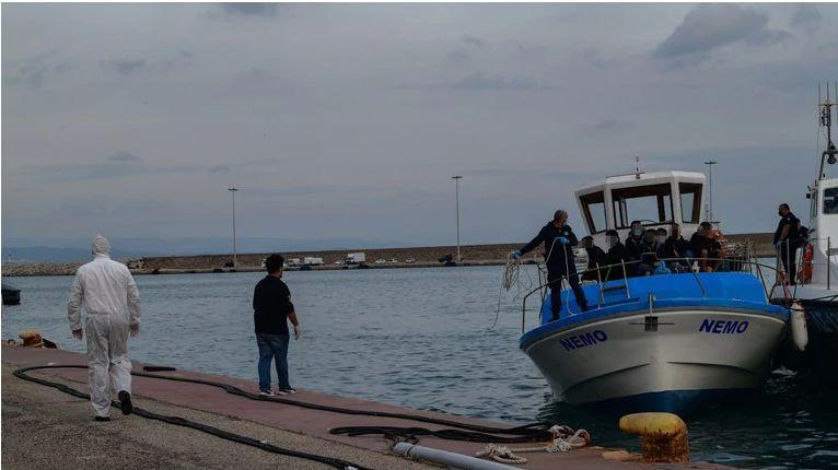 Λευκάδα: Σκάφος με 30 μετανάστες εντοπίστηκε ανοιχτά του νησιού – Επιβαίνουν και έξι παιδιά