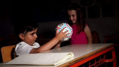 Ο Ηλίας Μάστορας θέλει κάθε τυφλό παιδί στον κόσμο να μπορεί να παίξει ποδόσφαιρο