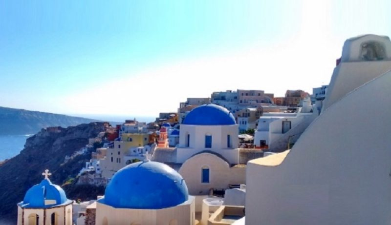 Reuters: Ανοίγει η Ελλάδα από την ερχόμενη εβδομάδα στους Ευρωπαίους και Αμερικανούς τουρίστες