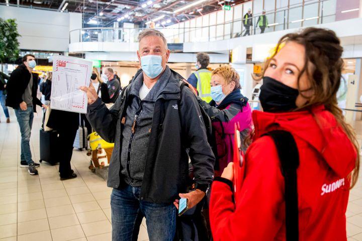 Τουρισμός: Με τρεις τρόπους θα μπαίνουν στην Ελλάδα οι επισκέπτες από τον Μάιο