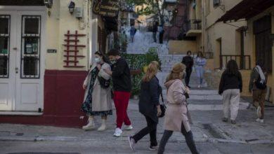 Επιστροφή στην κανονικότητα μετά το Πάσχα: Πότε και πώς ανοίγουν εστίαση, σχολεία, τουρισμός, αλλάζει η απαγόρευση κυκλοφορίας