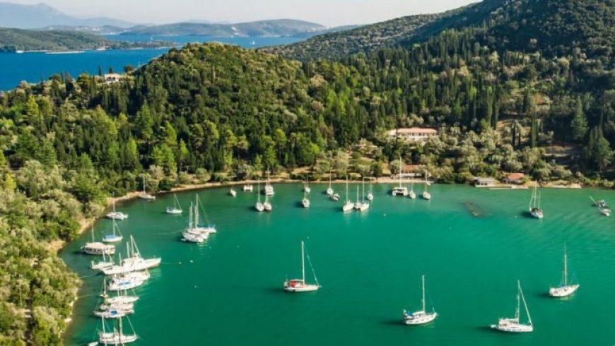 Η Telegraph προτείνει 15 ελληνικά νησιά για κάθε περίσταση: Για ζευγάρια, για φαγητό, απόκοσμα τοπία, παραλίες, θέα