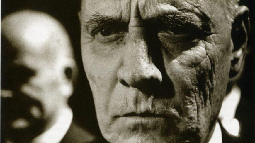 Τζαβαλάς Καρούσος: Η θυελλώδης ζωή του ηθοποιού που είπε πρώτος το περίφημο «στην Ελλάδα είσαι ό,τι δηλώσεις»
