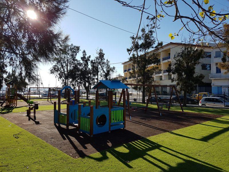 Δημοτικό Λιμενικό Ταμείο Λευκάδας: Επαναλειτουργεί η παιδική χαρά στην παραλία Λευκάδας