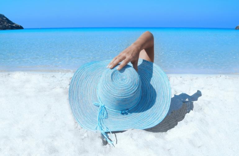 Η TUI Βρετανίας επαναφέρει ακυρωμένες διακοπές στην Ελλάδα