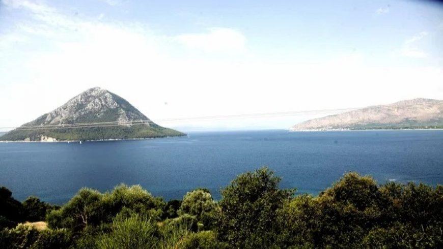 Κάλαμος και Καστός: Τα άγνωστα μαγευτικά νησιά του Ιονίου