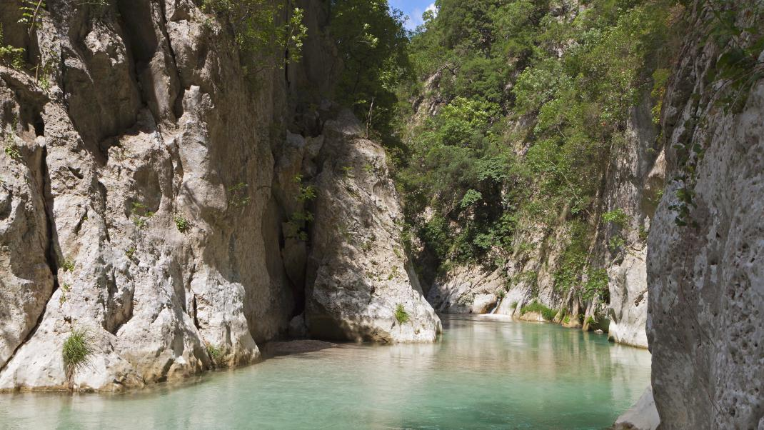 Εξόρμηση στις Πηγές του Αχέροντα: Εκεί όπου η φύση συναντά τη μυθολογία