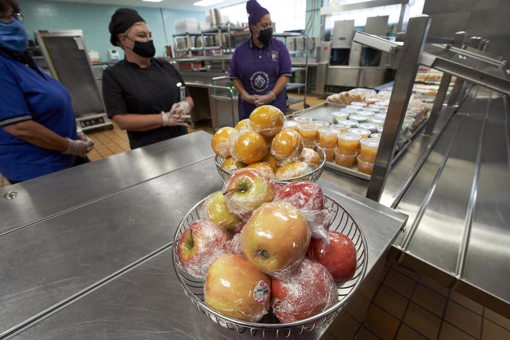Η Γαλλία απαγορεύει τις πλαστικές συσκευασίες για φρούτα και λαχανικά